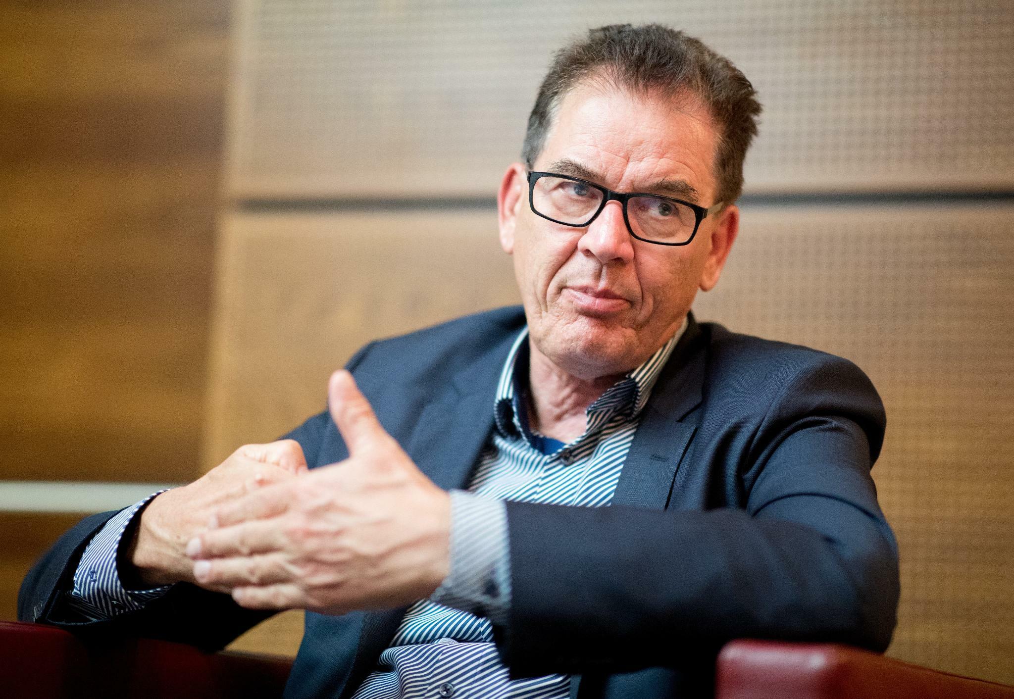 Muller Wir Haben Es Mit Einem Globalen Notstand Zu Tun