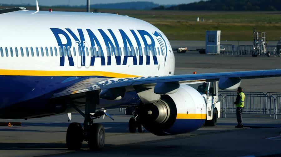 Ryanair Flugbegleiter Sollen In Italien Tarifvertrag Bekommen