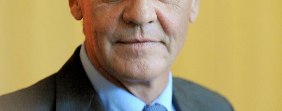 """Ernst <b>August Prinz</b> von Hannover wird 60: Die Eskapaden des """"Prügel-Prinzen"""" - 2-format2101"""