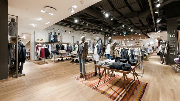 Kommentar: Zerrieben zwischen billig und teuer – Der Modeindustrie bricht die Mitte weg