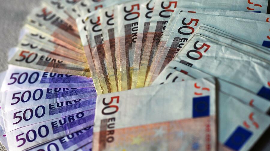 Euro knapp über 1,12 US-Dollar
