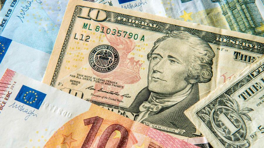 Eurokurs steigt über 1,16 US-Dollar - Trump-Kritik an Fed Devisen