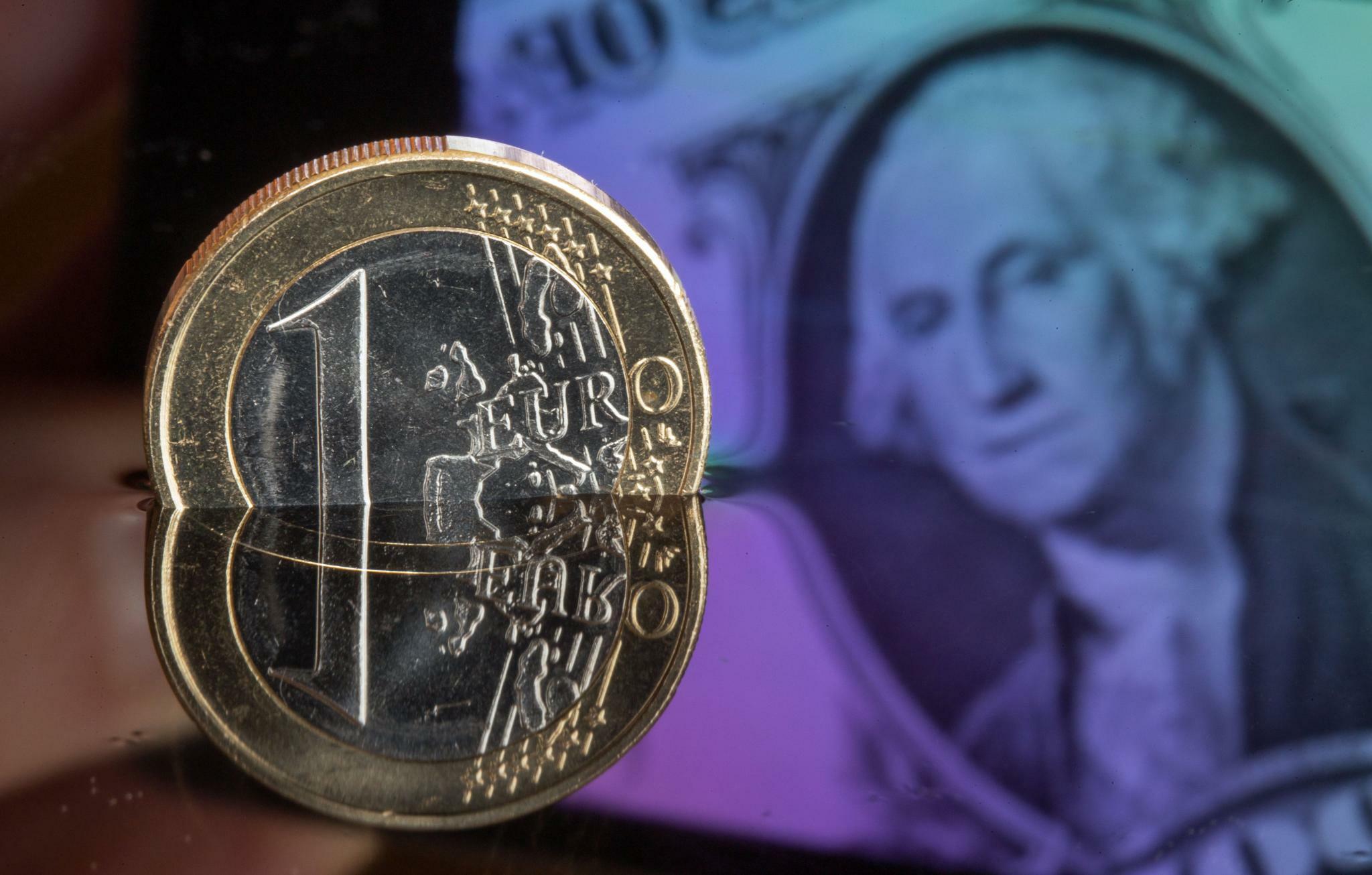 Euro Dollar: Euro und Pfund wenig verändert
