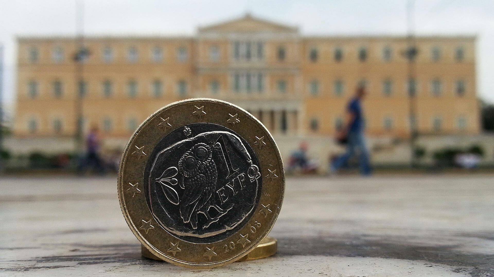 Staatsverschuldung: Griechenland bekommt mehr Geld