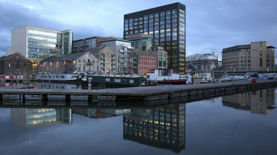 Irland Lockt Konzerne Mit Niedrigsteuern. Quelle: Bloomberg. Europa Zentrale  Von Google ...