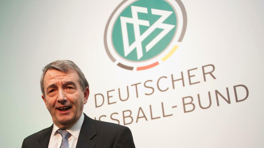 I pubblici ministeri hanno messo in dubbio l'obiettività di un rapporto di Freshfields sull'affare della Coppa del Mondo.  Fonte: Reuters