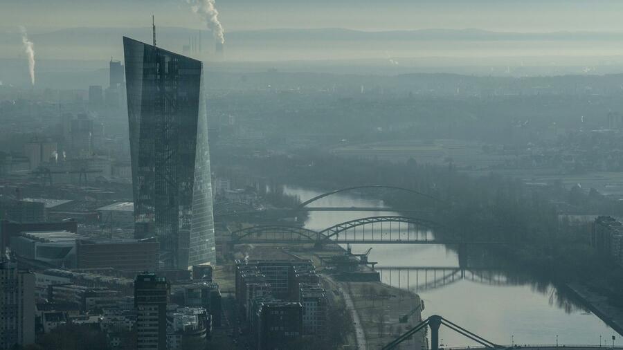 Secondo il Protocollo della BCE, la fiducia si è attenuata e vedrà una crescita più forte nella seconda metà dell'anno.  Fonte: dpa