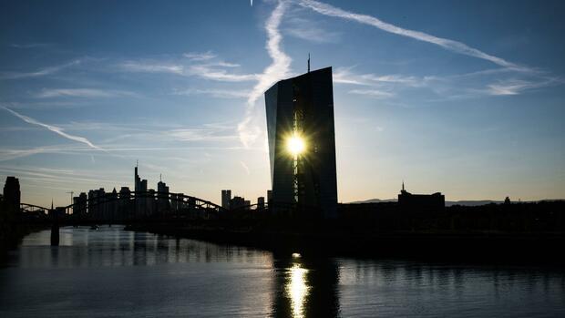 EZB-Währungshüter plädiert für Kurshalten – Gefahren gesunken