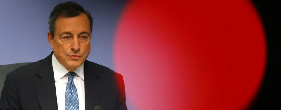 EZB lässt sämtliche Leitzinsen unverändert