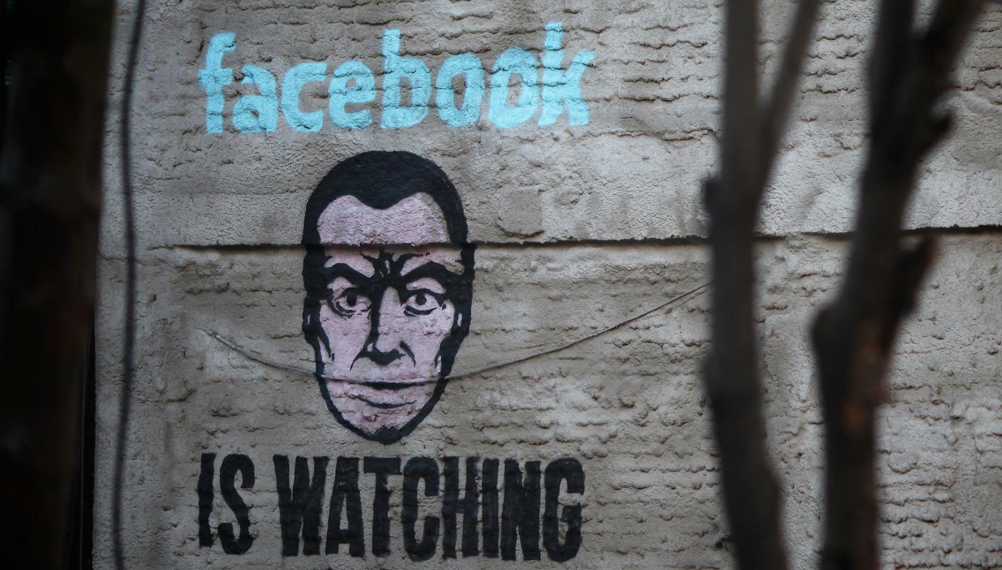 Hat facebook wie weltweit mitglieder viele Rote Profilbilder