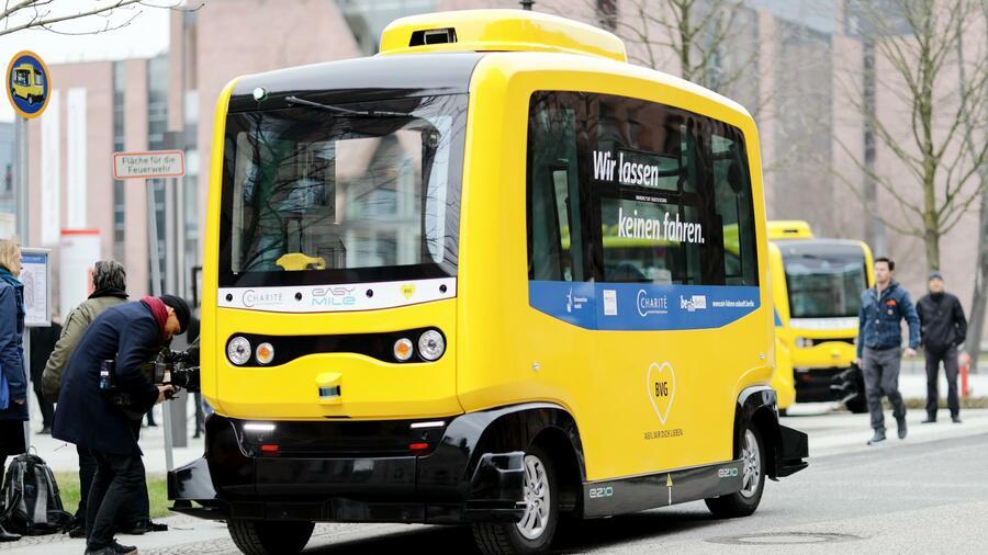 Testlauf der BVG: Selbstfahrende Elektro-Busse in Berlin