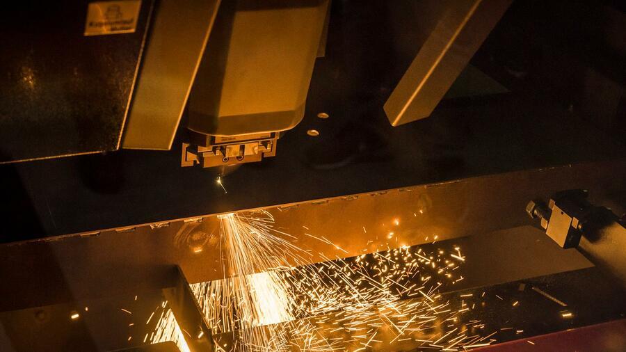 Energieeffizient Produzieren Ein Faserlaser Fur Die Metall Profis