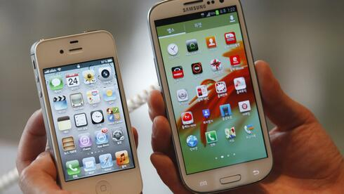 Apples iPhone und Samsungs Galaxy-Handy: Der Kampf geht weiter. Quelle: Reuters