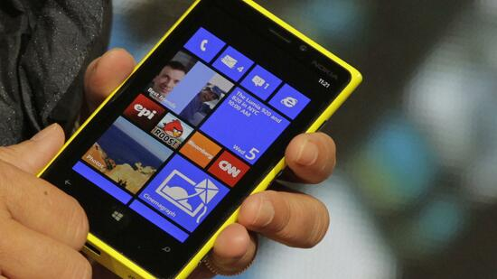 Das Nokia Lumia 920 läuft mit Microsofts Windows 8. Quelle: Reuters