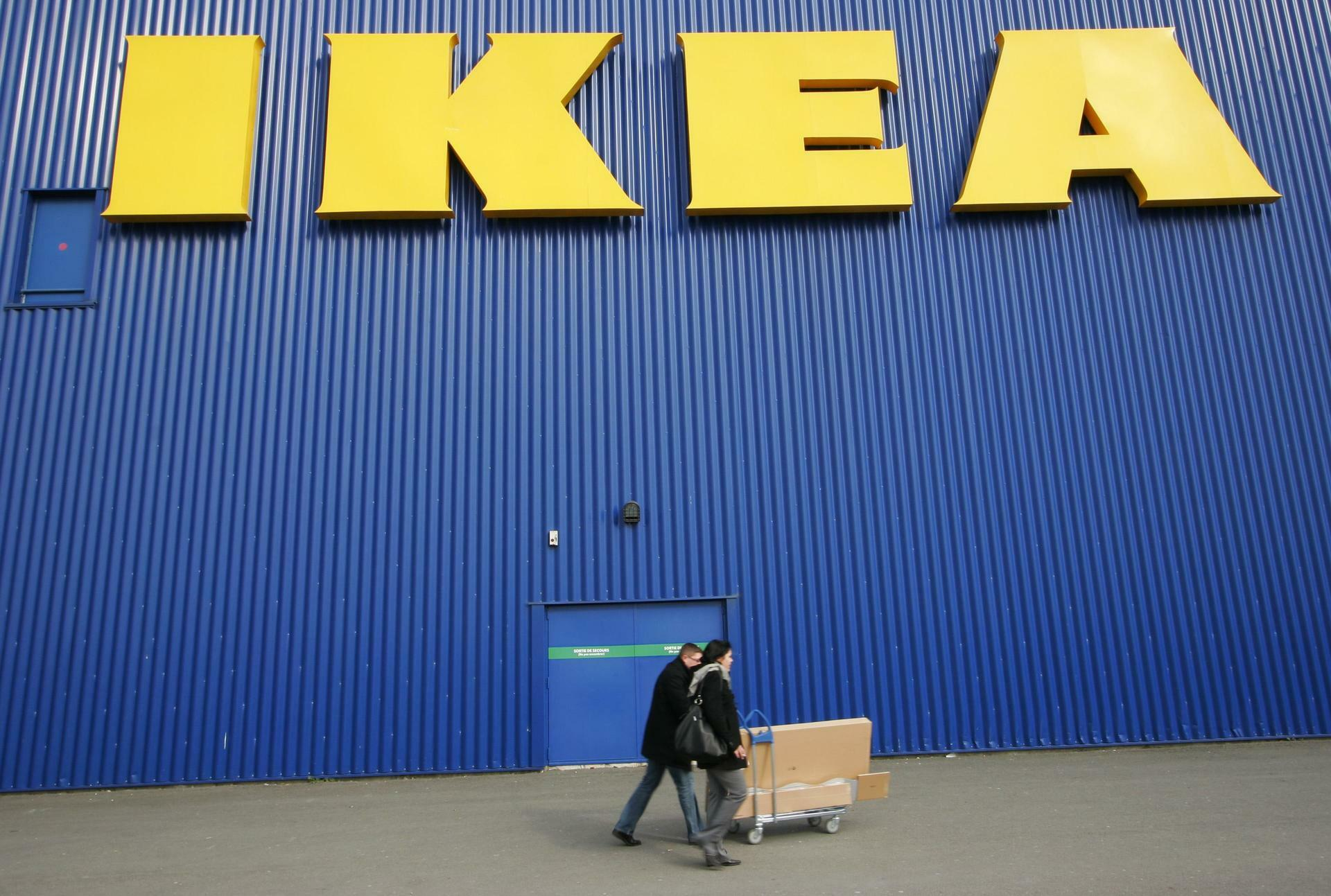 Schwedischer Möbelriese Ikea Gesteht Zwangsarbeit In Ddr Betrieben