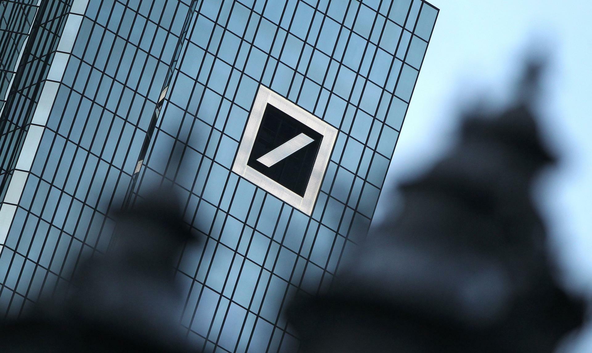 Sparkurs: Deutsche-Bank-Vorstand verteidigt Bonuskürzungen