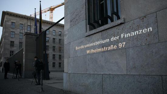 Verfassungsgericht kippt Atomsteuer - Klatsche für Regierung