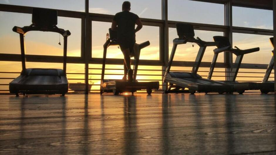 Wirtschaft Handel Finanzen Fitnessstudio Vertrag In Ruhe Prüfen
