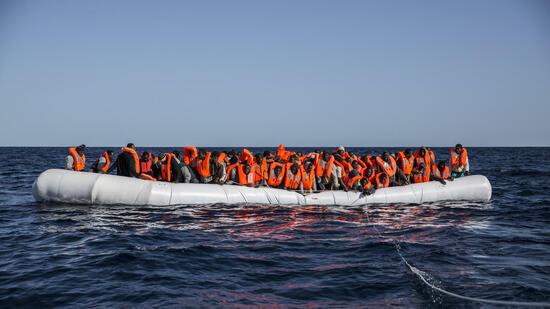 Sea Watch und libysche Küstenwache werfen sich chaotische Rettung vor