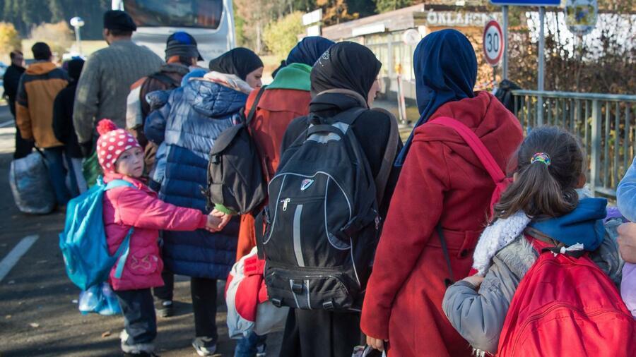 Deutschland nimmt 10 200 Flüchtlinge auf