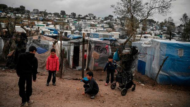 Brief an von der Leyen: 50 CDU-Abgeordnete fordern Aufnahme von Flüchtlingskindern aus griechischen Lagern