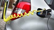 Studie zur Elektromobilität: Rund 20.000 Euro in der Oberklasse – So groß ist der finanzielle Vorteil von E-Autos
