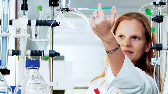 Serie - Investieren in die Zukunft: Am Forscherdrang der Biotechs verdienen