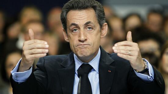 huGO-BildID: 21010878 France's President Nicolas Sarkozy delivers his speech at a meeting to discuss research on Alzheimer's disease, during a visit to Bordeaux, southwestern France, February 22, 2011. REUTERS/Regis Duvignau (FRANCE - Tags: POLITICS HEALTH) Quelle: Reuters