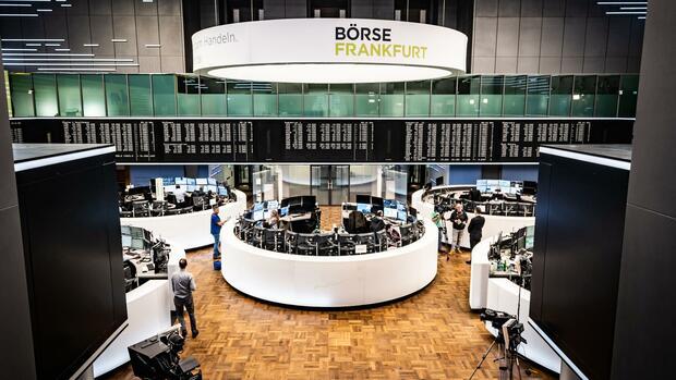 Dax aktuell: Dax geht wieder auf Talfahrt – Ausländische Investoren ziehen sich offenbar zurück