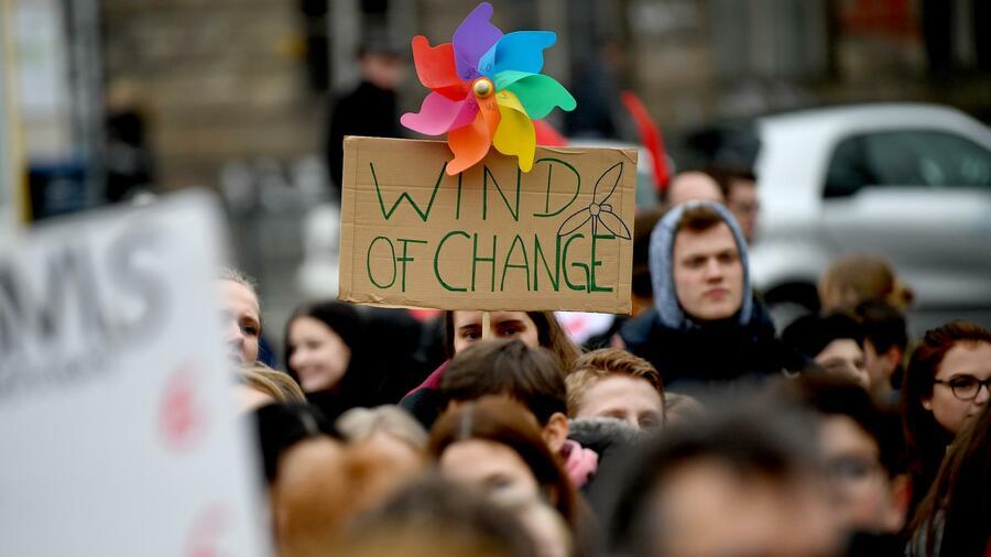 Um politisch etwas zu verändern, reichen Demonstrationen nicht aus
