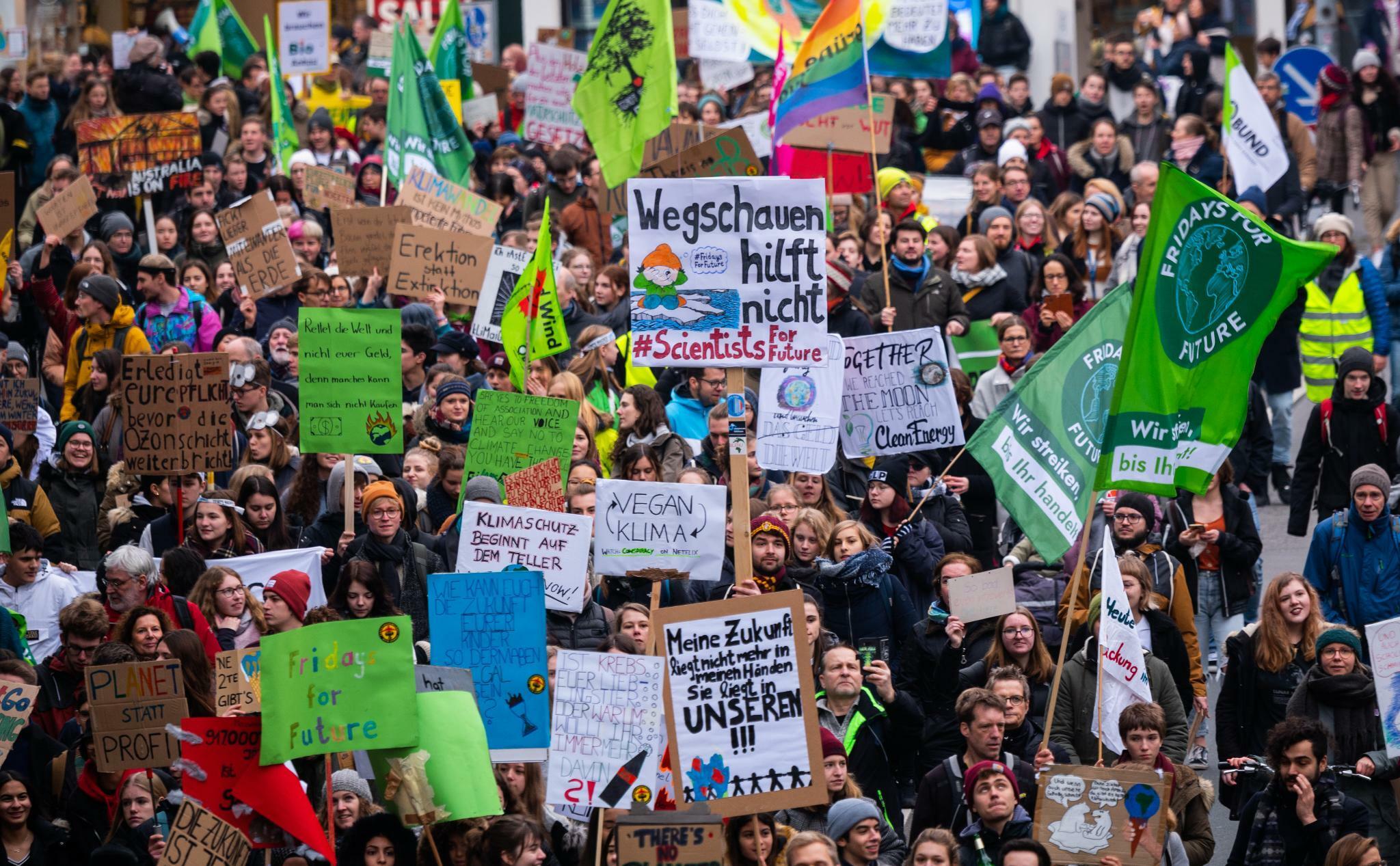 Junge Anleger: Bei der Rendite hört der Einsatz für das Klima auf