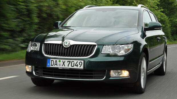gebrauchtwagen check skoda superb der name ist programm. Black Bedroom Furniture Sets. Home Design Ideas