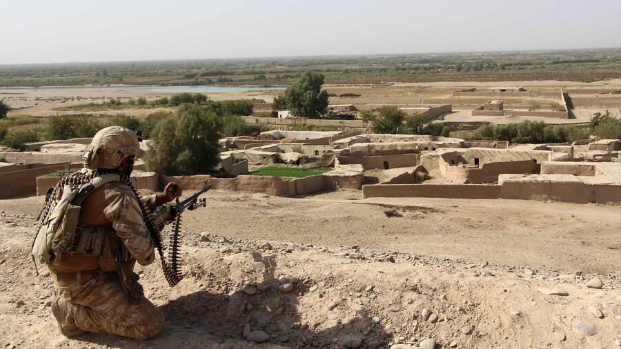 kampf gegen taliban afghanische soldaten befreien gefangene. Black Bedroom Furniture Sets. Home Design Ideas