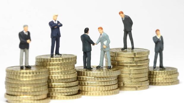 Gehalt: Größere Gehaltstransparenz führt zu niedrigeren Gehältern