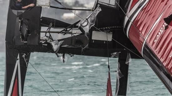Team New Zealand kentert in Herausforderer-Runde zum America's Cup