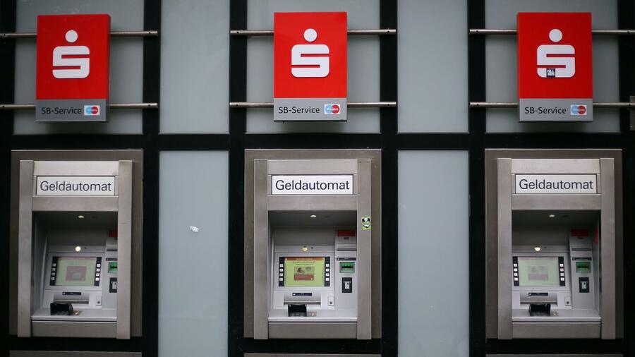 Geldautomaten: Sparkassen ändern Ablauf beim Geldabheben