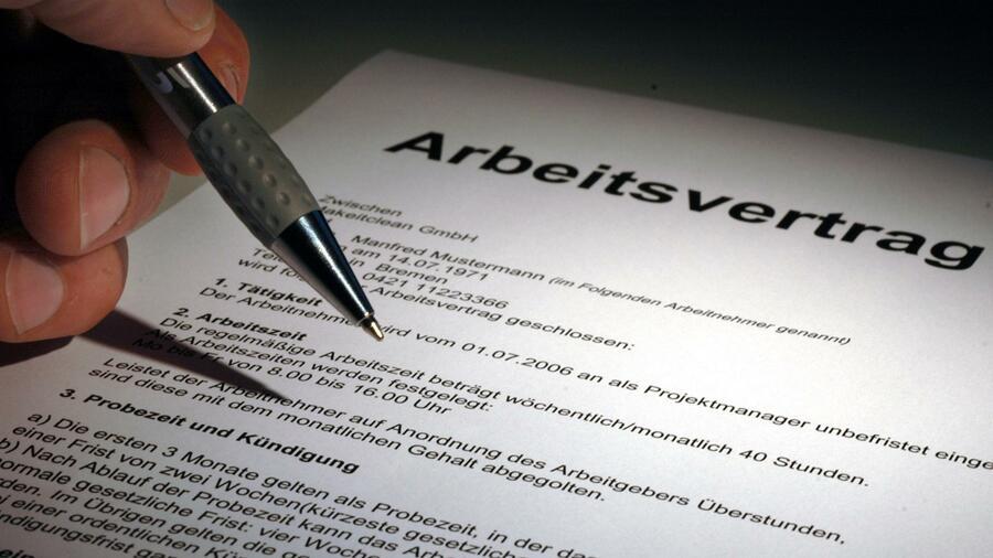 Verfassungsgericht Legt Gesetz Zu Befristeten Arbeitsverträgen Eng Aus