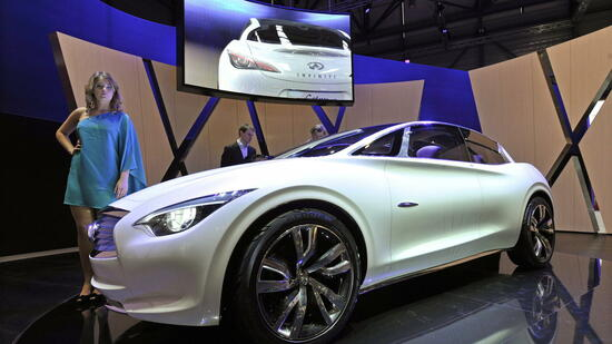 huGO-BildID: 21110235 epa02609629 The new Infiniti Etherea concept car is shown during the press day at the 81st Geneva International Motor Show in Geneva, Switzerland, 01 March 2011. The Motor Show will open its gates to the public from 3rd to 13th March presenting more than 260 exhibitors and more than 175 world and European premieres. EPA/MARTIAL TREZZINI +++(c) dpa - Bildfunk+++ Quelle: dpa
