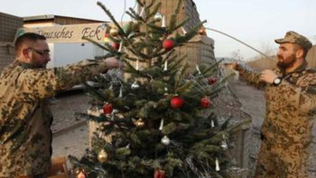 bundeswehr in afghanistan wie am hindukusch weihnachten gefeiert wird. Black Bedroom Furniture Sets. Home Design Ideas