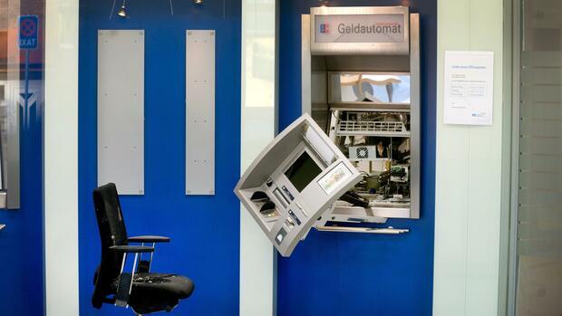 Kriminalität : Gefährliche Grenznähe: Immer mehr Geldautomaten in NRW werden gesprengt