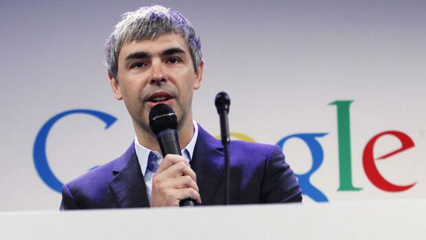 "Google CEO Larry Page speaks during a press announcement at Google's headquarters in New York, in this file photo from May 21, 2012. Larry Ellison, the CEO and co-founder of software giant Oracle Corp, has accused Page, of acting ""absolutely evil"" as the two companies square off in a U.S. appeals court over a bitter lawsuit involving Google's Android operating system. REUTERS/Eduardo Munoz/Files (UNITED STATES - Tags: SCIENCE TECHNOLOGY BUSINESS EDUCATION) Quelle: Reuters"