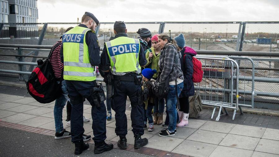 schmeißt die asylbewerber raus