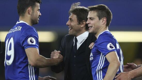Trainer Antonio Conte kann mit dem FC Chelsea im Spiel bei West Bromwich vorzeitig den Titel klarmachen