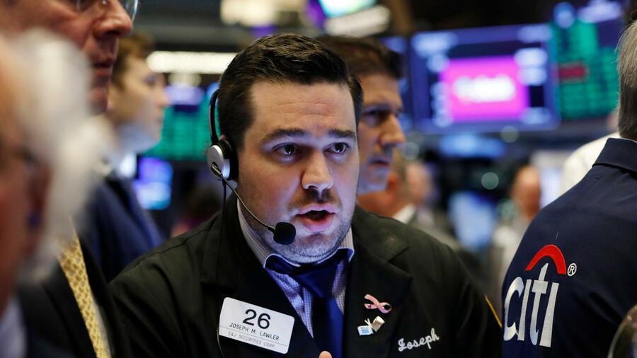 Wall Street schließt uneinheitlich – Trump kritisiert EU-Klagen gegen Facebook und Alphabet