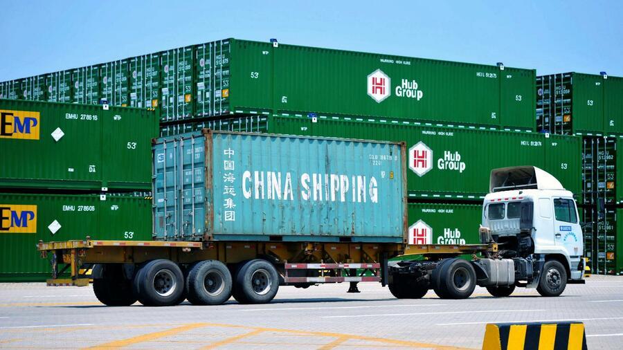 Handelsstreit - Trump droht China mit höheren Strafzöllen