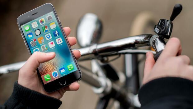 Gesetzesentwurf: Verbraucher sollen bei kürzeren Handyverträgen künftig mehr bezahlen