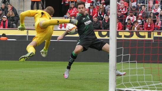 Fußball Bundesliga: Handtor der Saison: Leon Andreasen (Hannover 96) - Handelsblatt