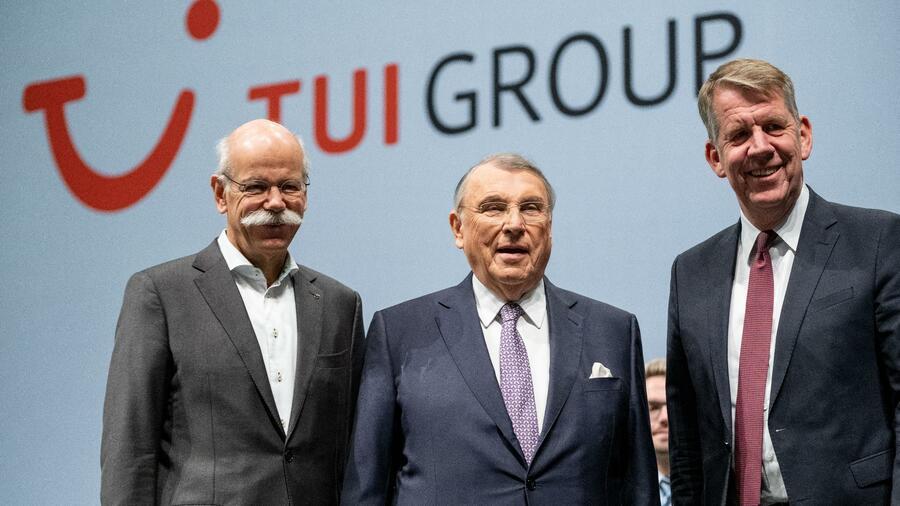 Damals lehnten die Aktionäre Dieter Zetsche (links) noch als neuen Aufsichtsratsvorsitzenden ab, jetzt deutet sich ein Kompromiss an. Quelle: dpa