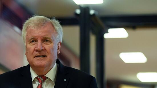 Seehofer verzichtet laut Medien auf Spitzenkandidatur