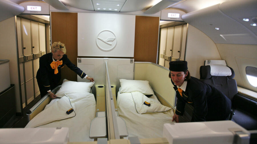 luxusfl ge in der kritik der ble beigeschmack der first class. Black Bedroom Furniture Sets. Home Design Ideas